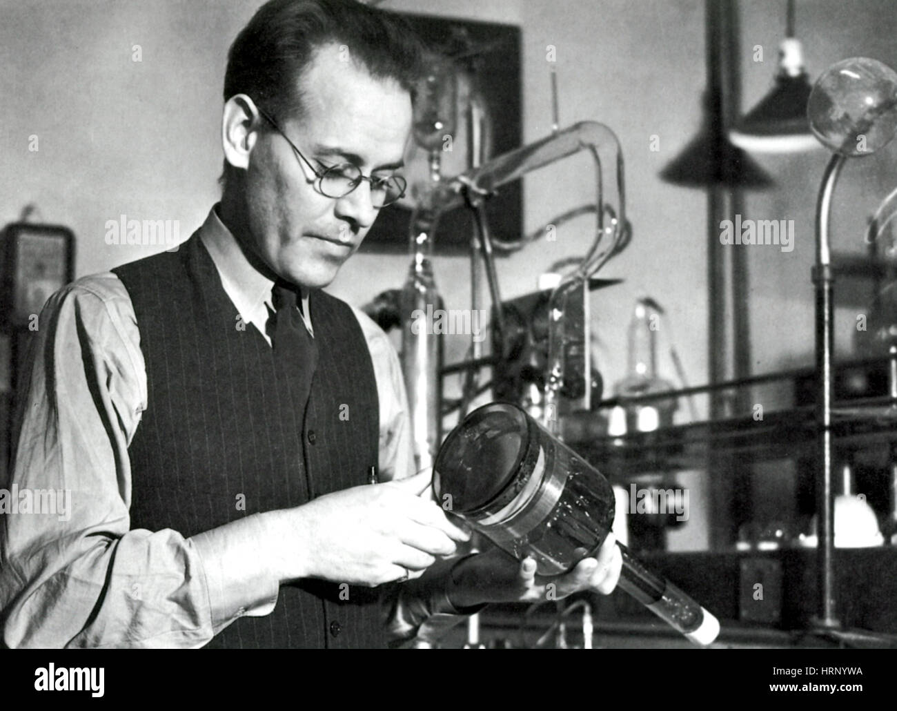 philo farnsworth Philo farnsworth was an inventor who invented the fully functional  later  produced the system commercially under the farnsworth television and radio   he had two brothers and two sisters, including a sister named agnes.