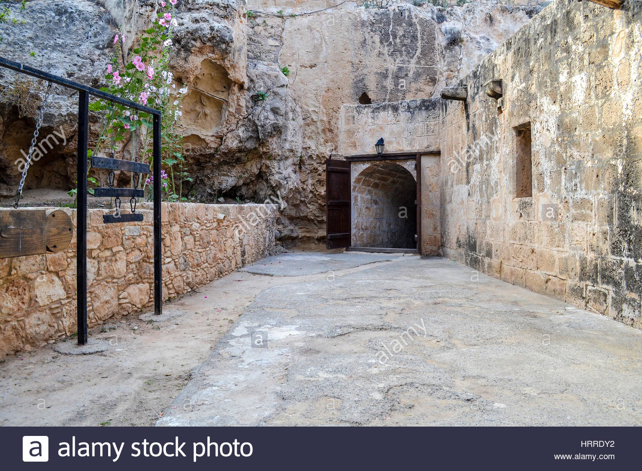Opened wooden doors leading to the dungeon of an old castle & Opened wooden doors leading to the dungeon of an old castle Stock ... Pezcame.Com