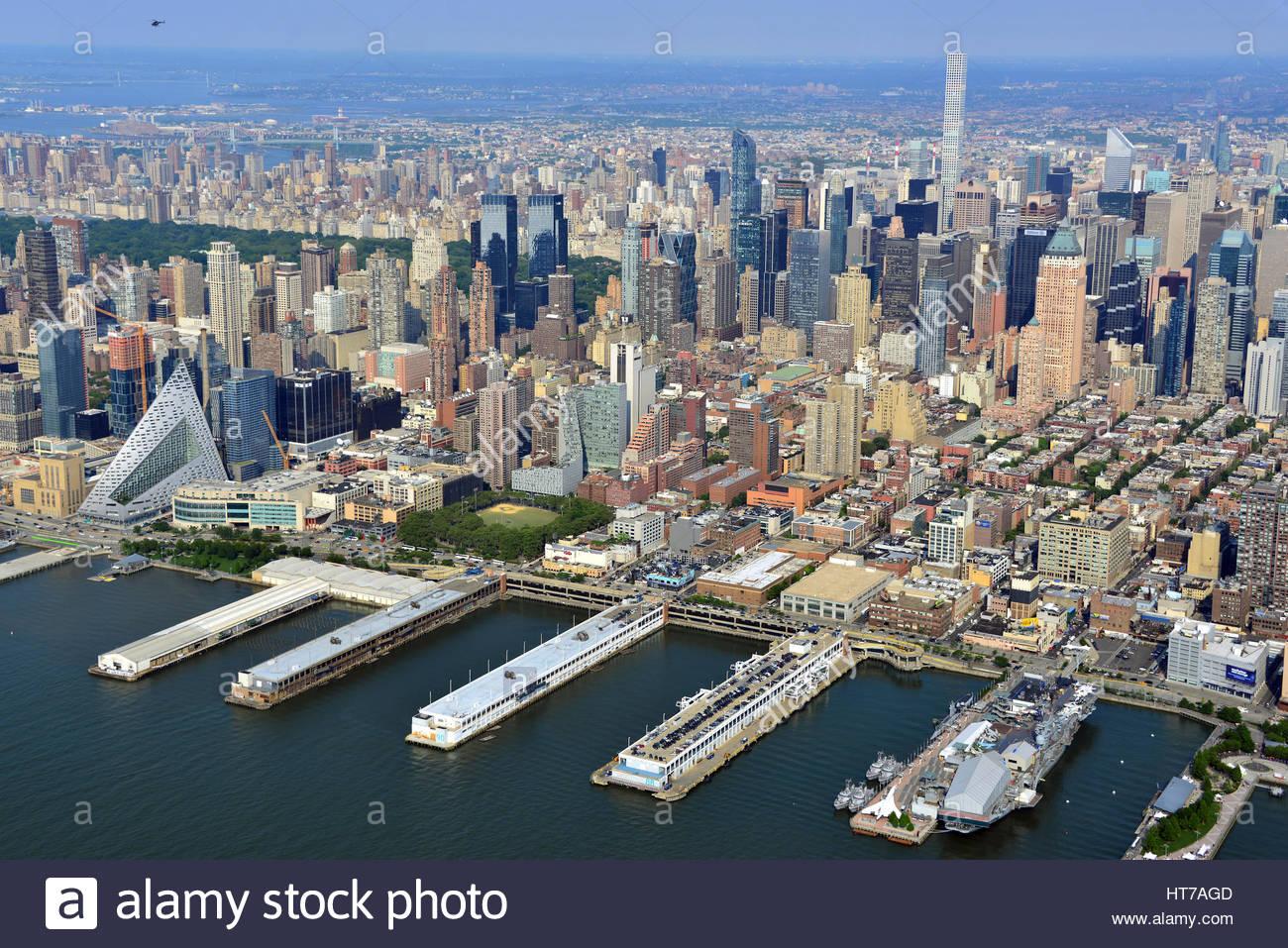 Hells Kitchen Manhattan Waterfront Stock Photos & Hells Kitchen ...