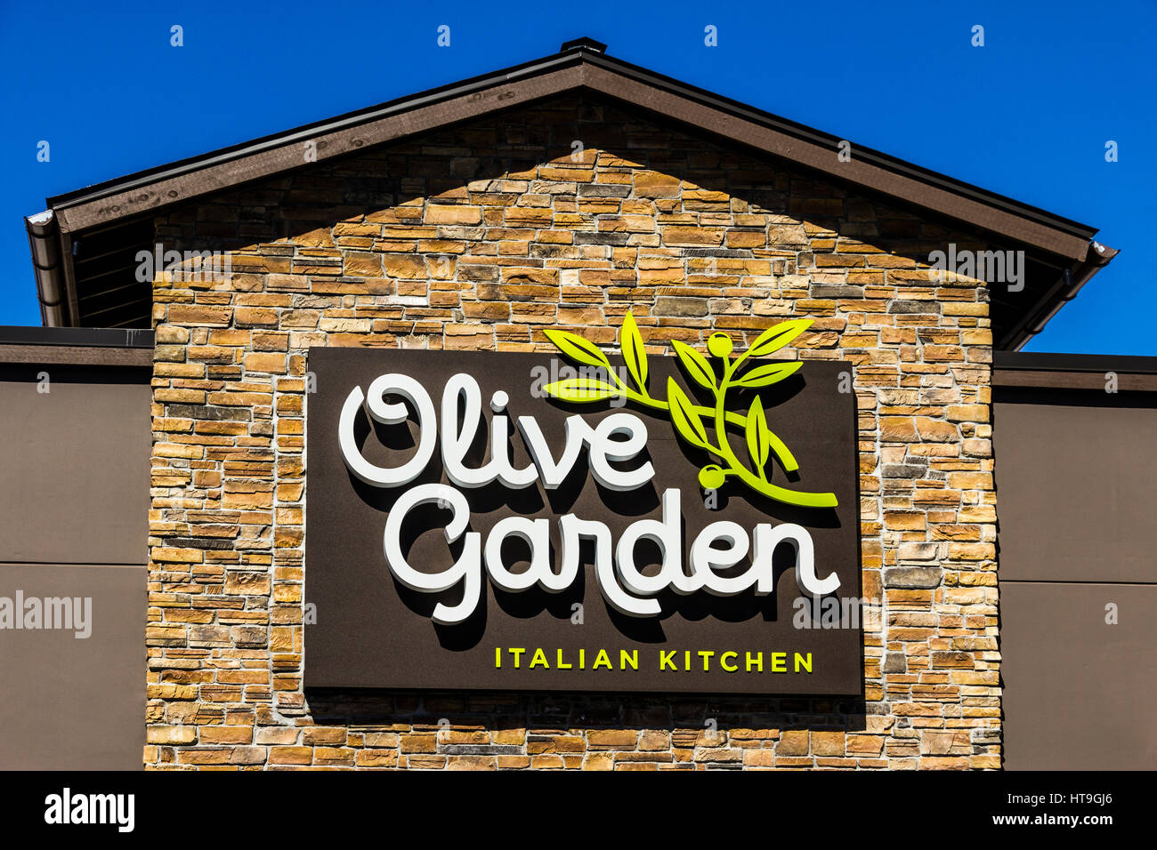 Muncie   Circa March 2017: Olive Garden Italian Restaurant. Olive Garden Is  A Division Of Darden Restaurants V