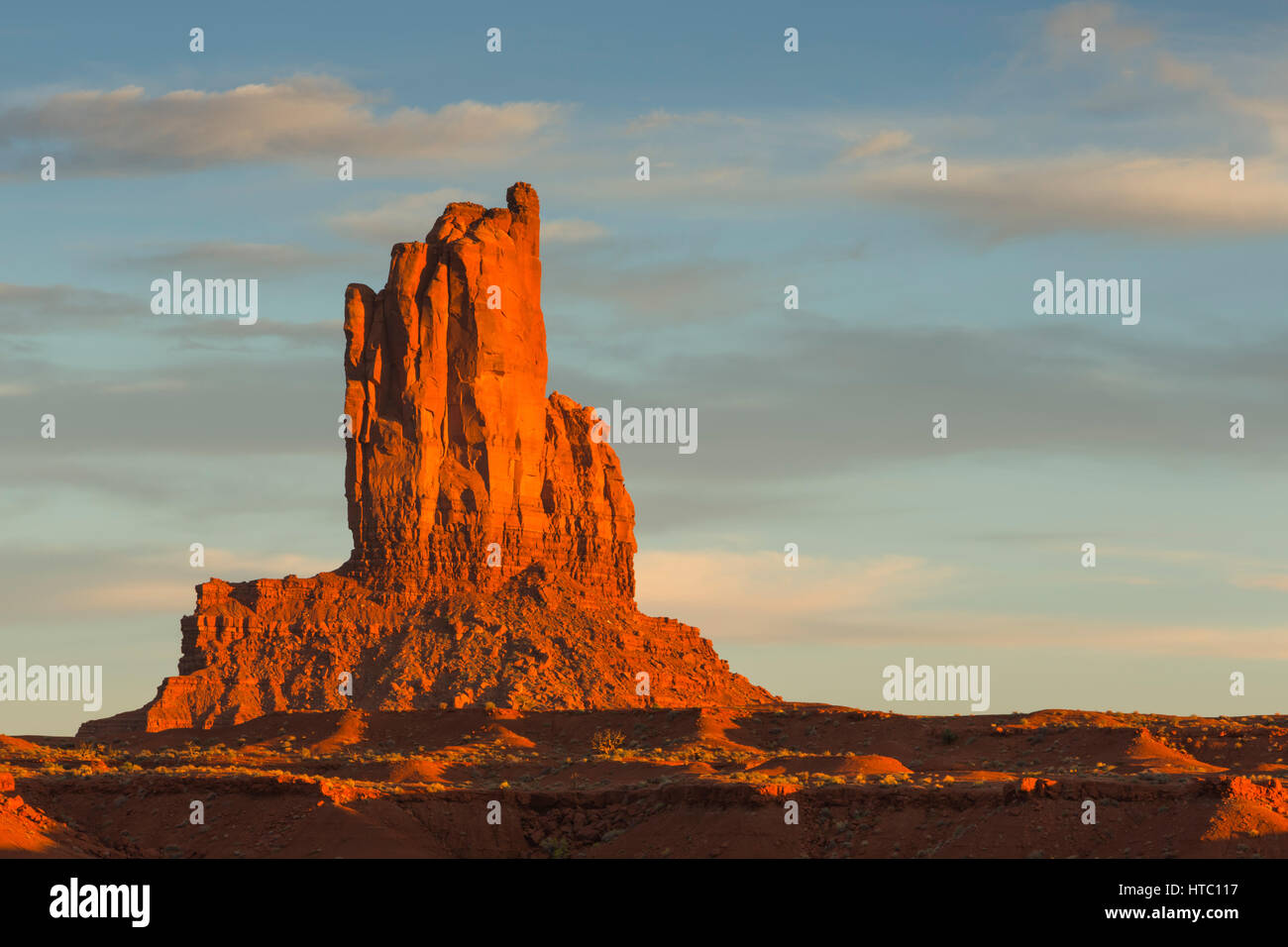 Big Indian Rock Formation Monument Valley Navajo Tribal Park UT - Ut usa