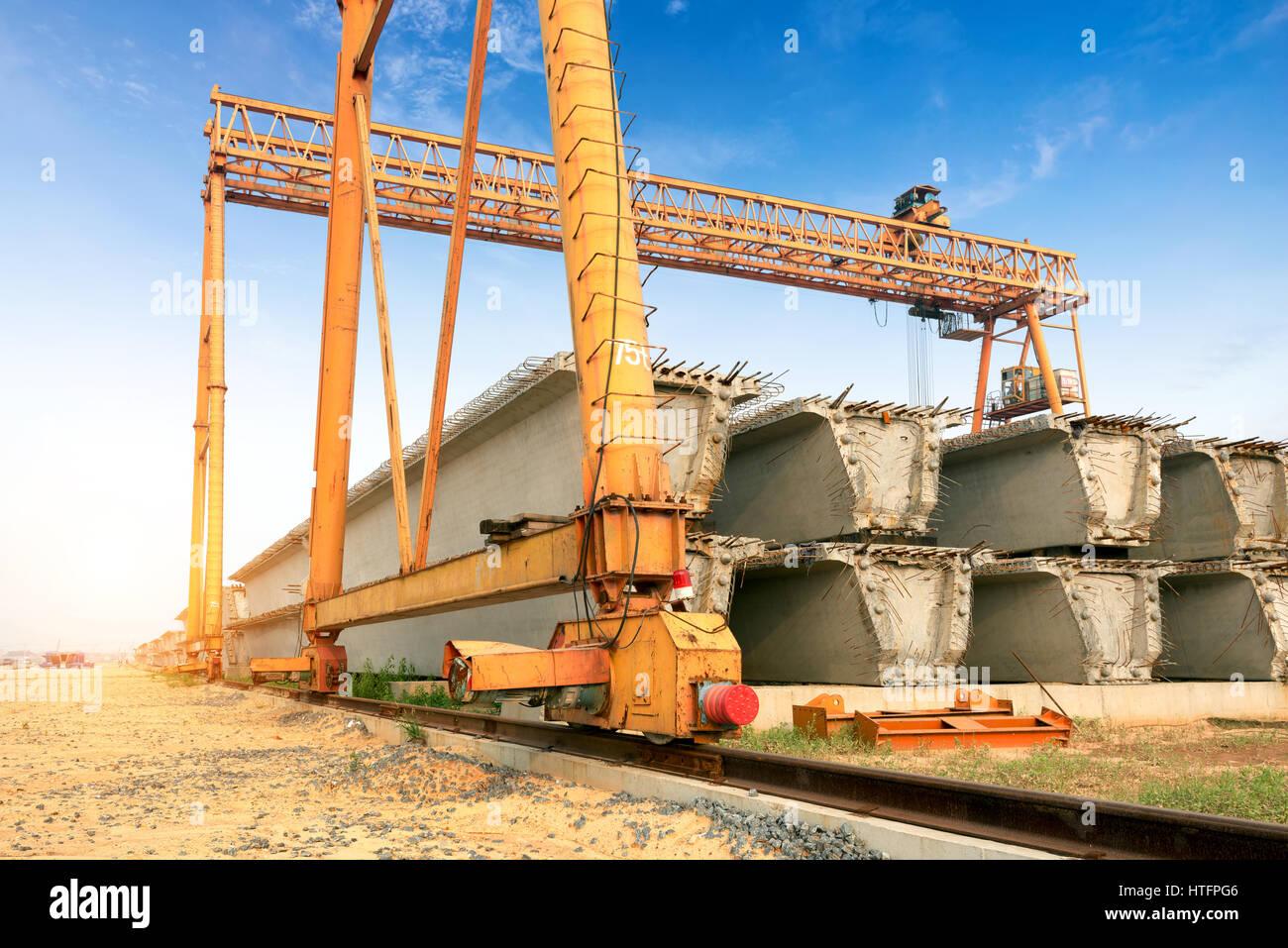 Overhead Cranes Queensland : Precast concrete construction site bridge