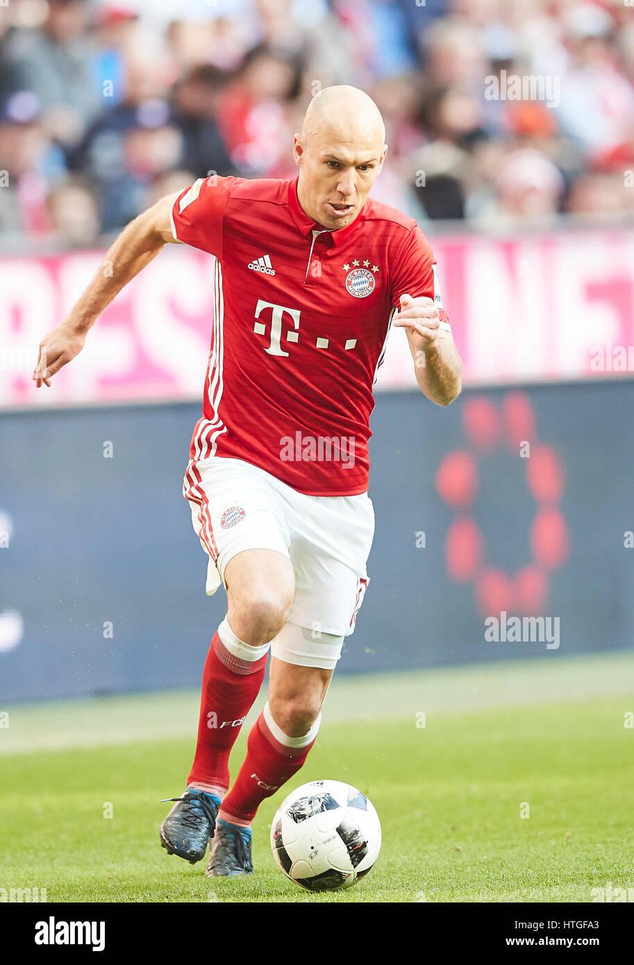 Munich Germany 11th Mar 2017 Arjen ROBBEN FCB 10 drives the