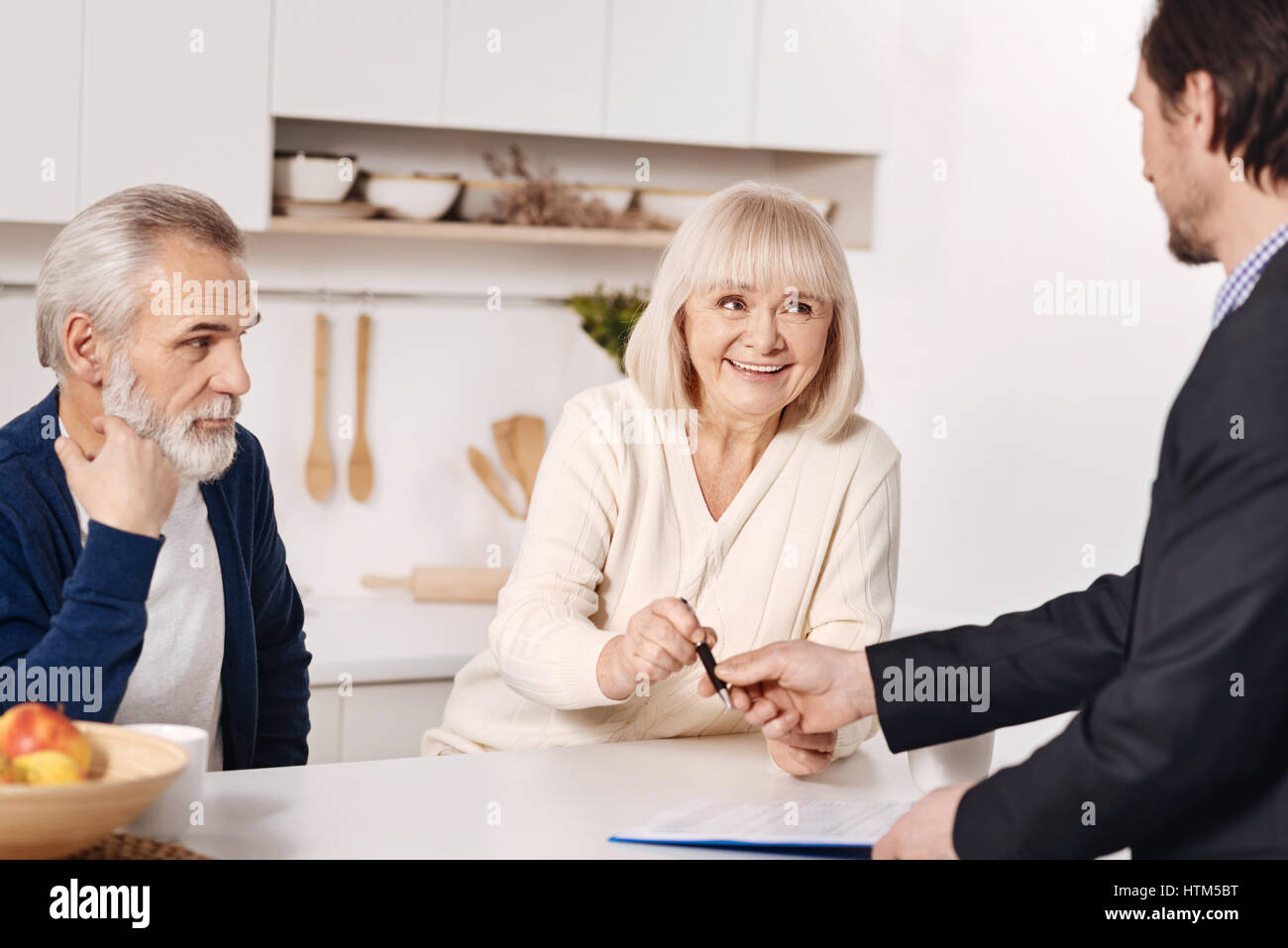 Social security advisor making agreement with elderly couple stock social security advisor making agreement with elderly couple platinumwayz