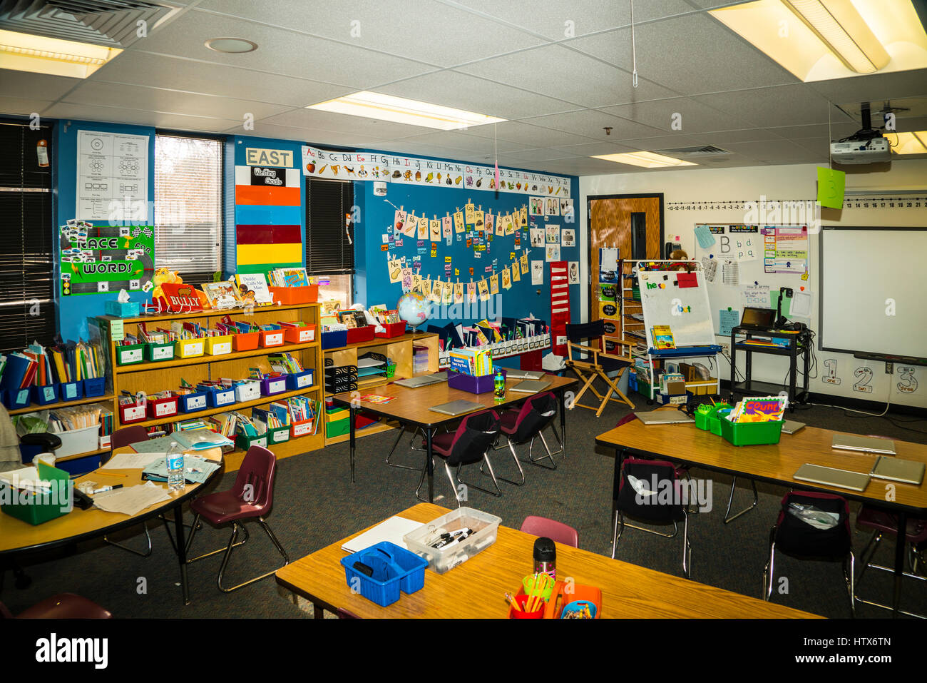 Classroom Design Aids Student Learning : Kindergarten classroom showing teaching aids and alphabet