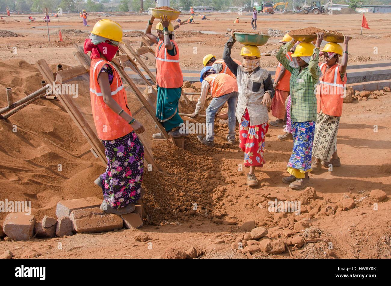 navi mumbai india 21st january 2017 construction laborer working at a site - Construction Laborer