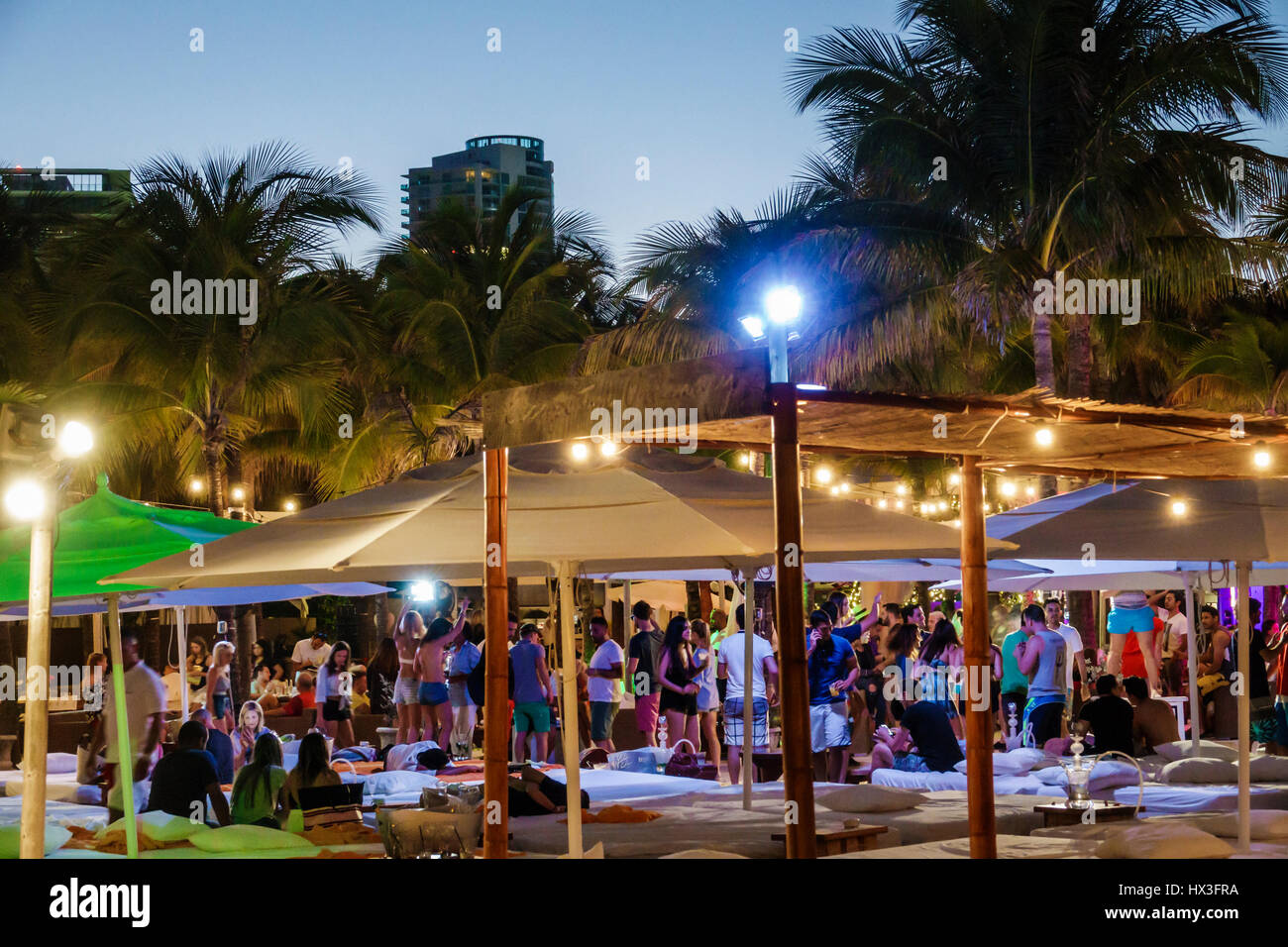 Miami beach florida ocean drive nikki beach club restaurant lifestyle cabana bar outdoor crowd leisure nightlife