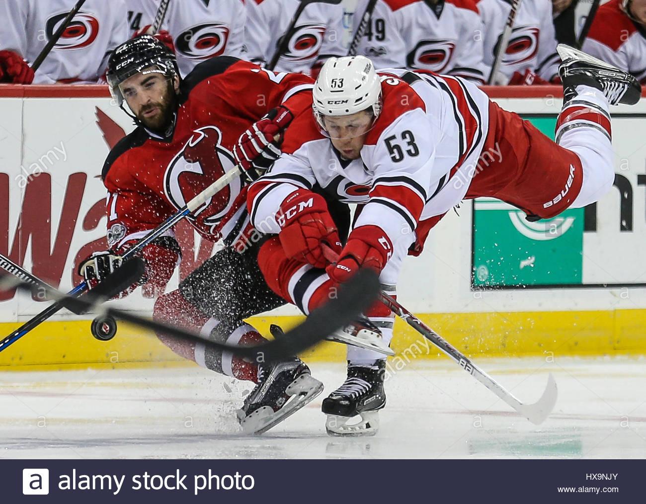 23642d82782 ... Kyle Palmieri (21) Newark, NJ, USA. 25th Mar, 2017. New Jersey Devils  right wing ...