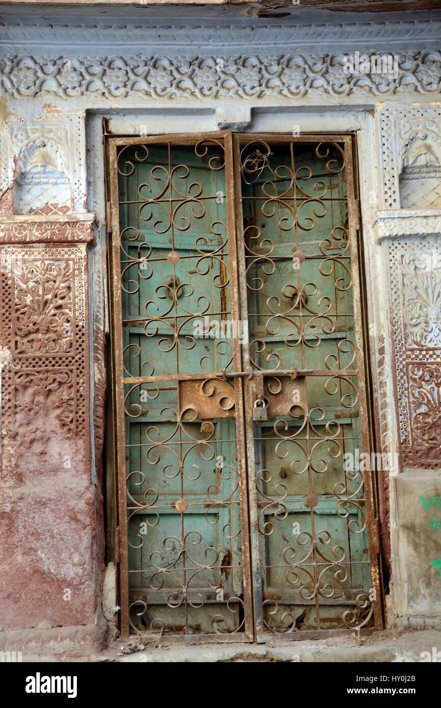 Old Wooden And Rusted Iron Door House Jodhpur Rajasthan India Stock Photo 137082467 Alamy
