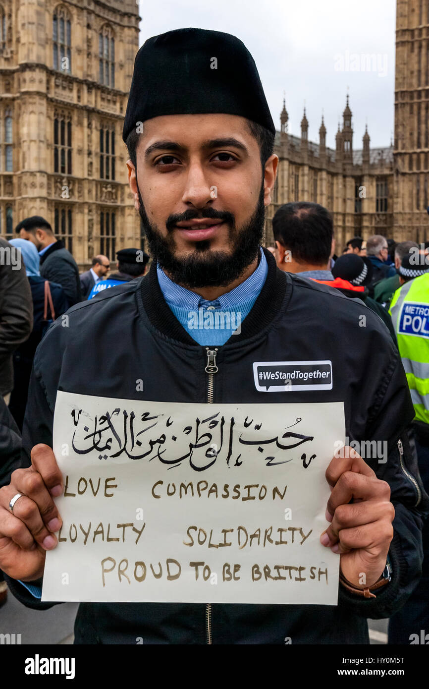 Uk muslims press for peace at 10 downing street - Young British Muslims Hold Up Signs On Westminster Bridge Expressing Loyalty To Britain As Part Of