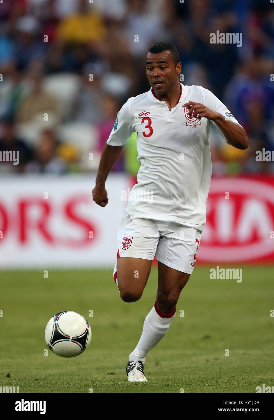 ASHLEY COLE ENGLAND CHELSEA FC ENGLAND & CHELSEA FC DONBASS ARENA