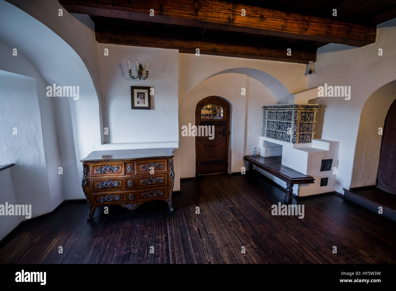 Ceramic Tiled Stove Stock Photos & Ceramic Tiled Stove Stock ...