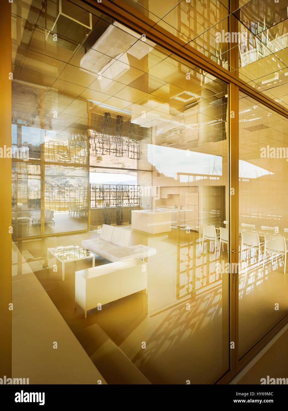 Acido Dorado: A Golden House with Golden Interiors | homeslook.info