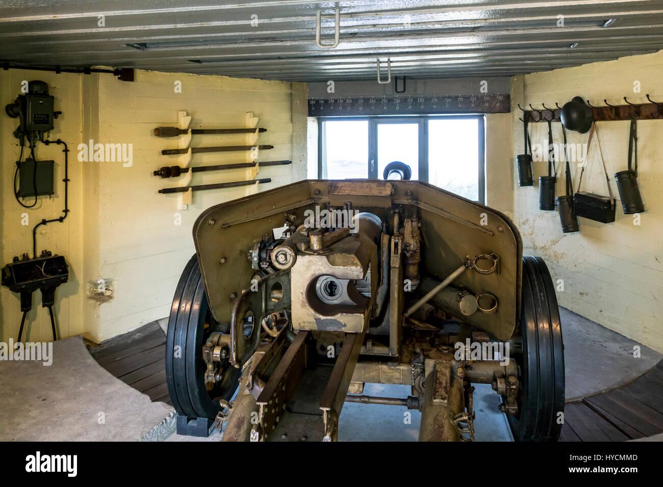 German 50 Mm Anti Tank Gun: German WWII Pak 40 75 Mm Anti-tank Gun In Bunker At