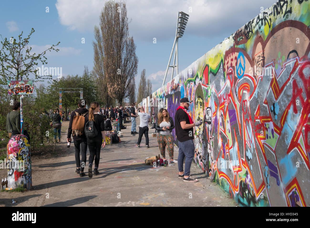 Grafiti wall berlin - Berlin Germany April 02 2017 Graffiti Wall At Park Mauerpark In Berlin Germany