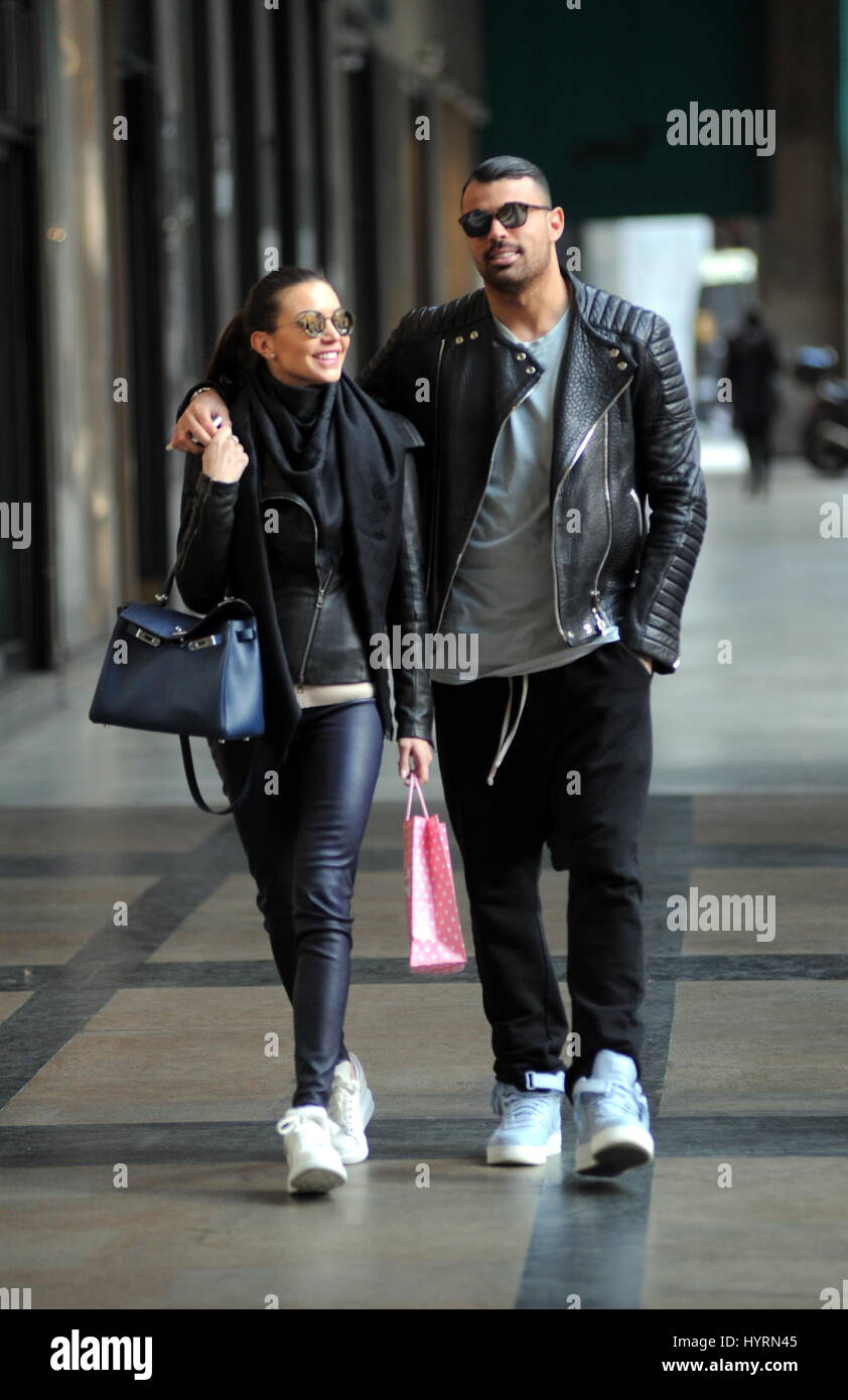 Italian footballer andrea petagna with his girlfriend for Andrea petagna squadre attuali