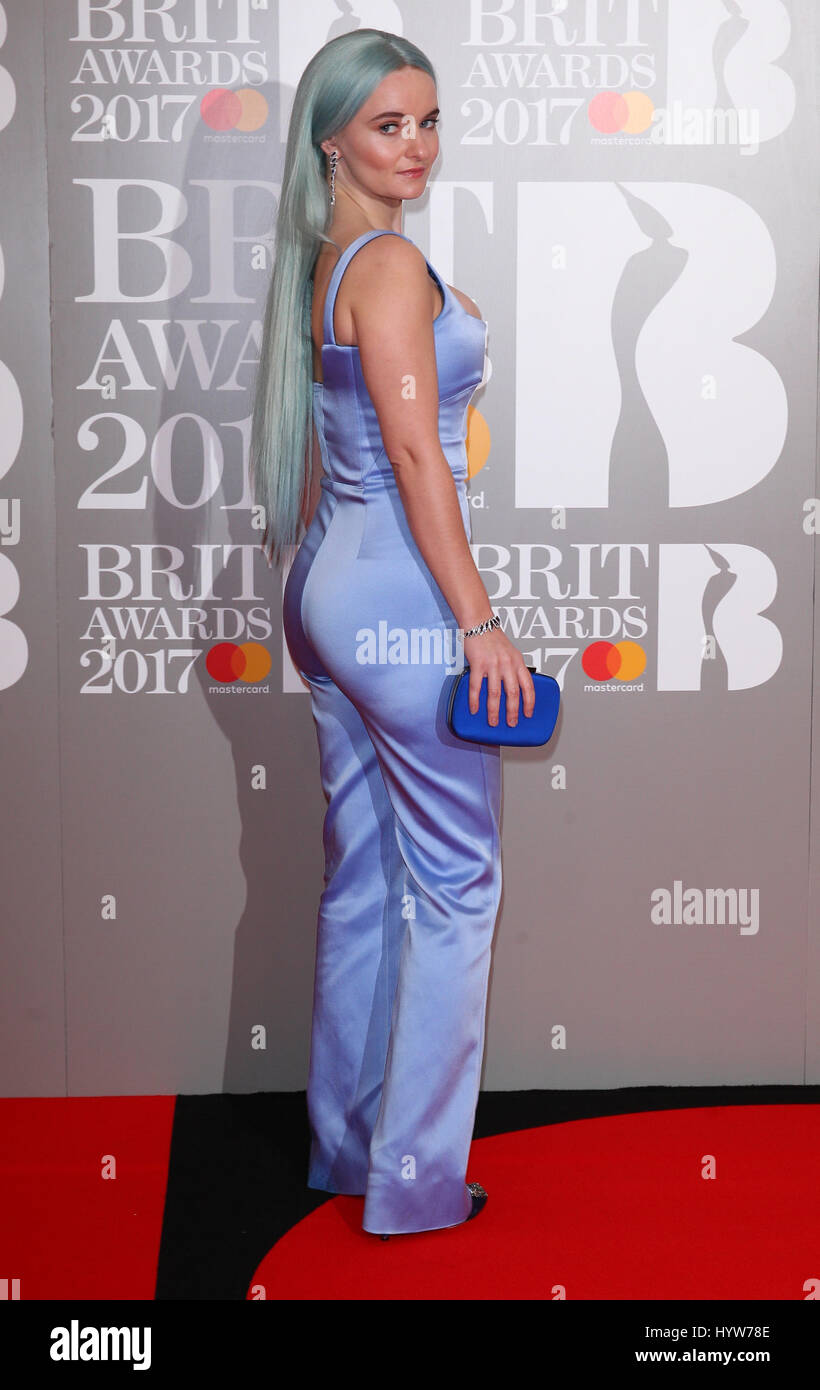 clean bandit grace dating Getty hard up: clean bandit's grace chatto is still watching the pennies the trio have been biggest selling singles act of the past three years – but their success reflects the state of the industry with huge streaming not bringing in much dosh.