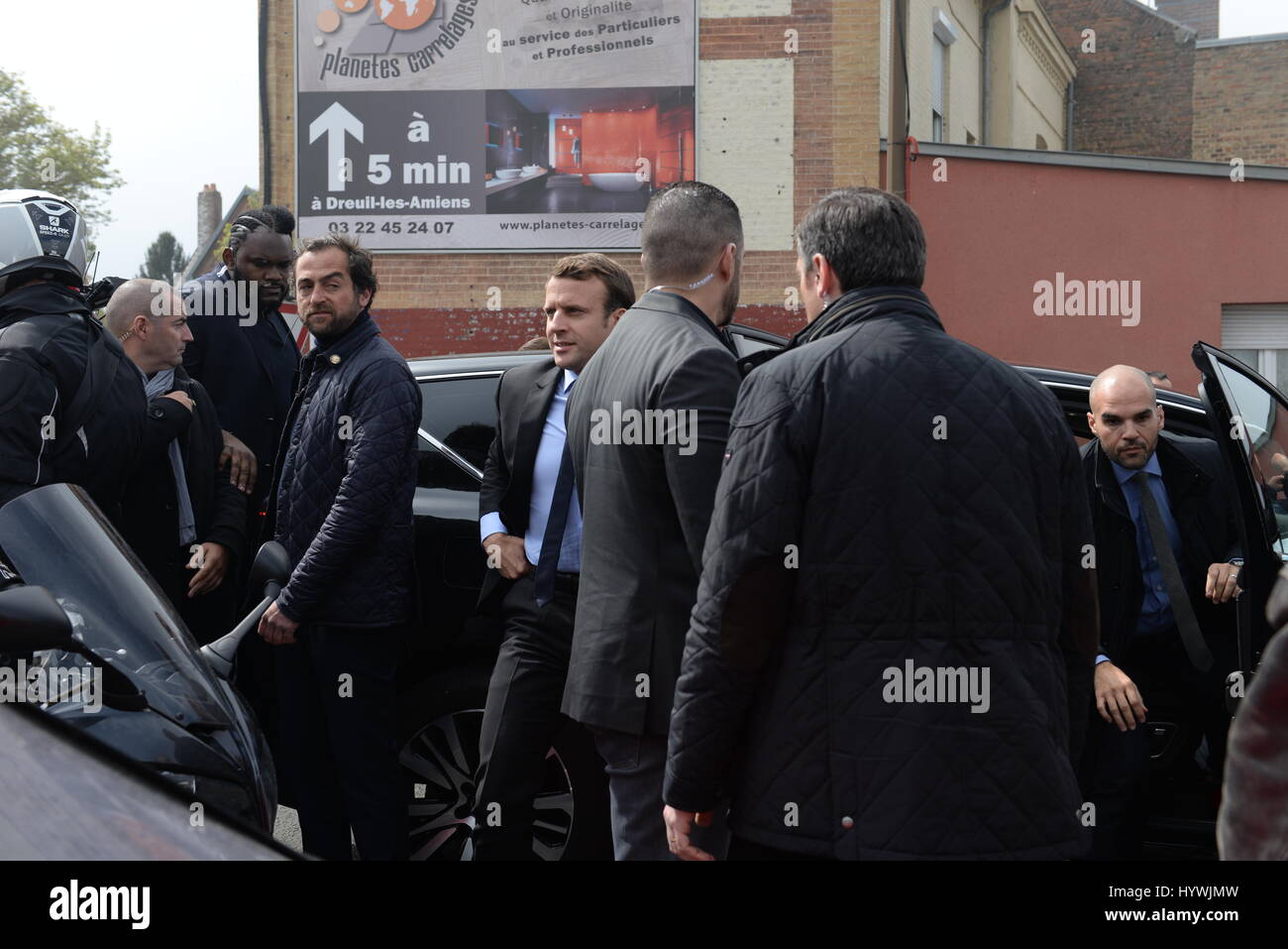 France elections 2017 live - Arras France 26th April 2017 Amiens Emmanuel Macron Jeered By Whirlpool Workers During His Presidential Elections Campaign 2017