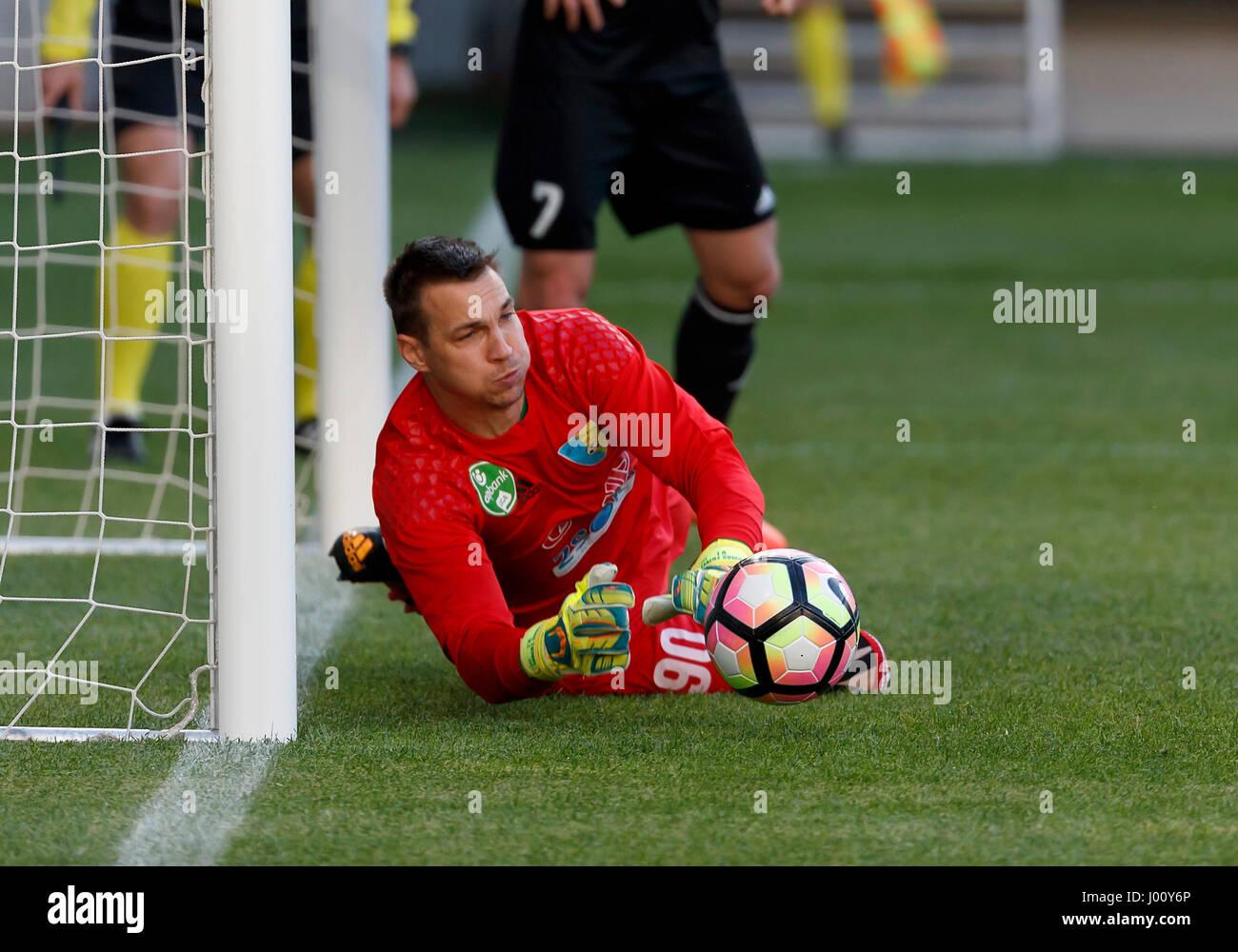 BUDAPEST HUNGARY APRIL 8 Goalkeeper Tomas Tujvel of Mezokovesd
