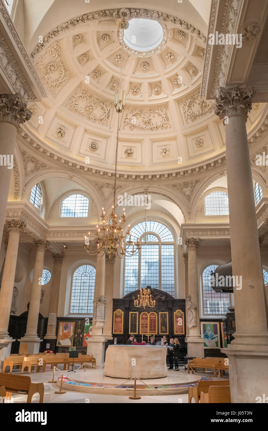 Church Of St Stephen Walbrook, City Of London, England, Built By  Christopher Wren After The Fire Of London In 1666.