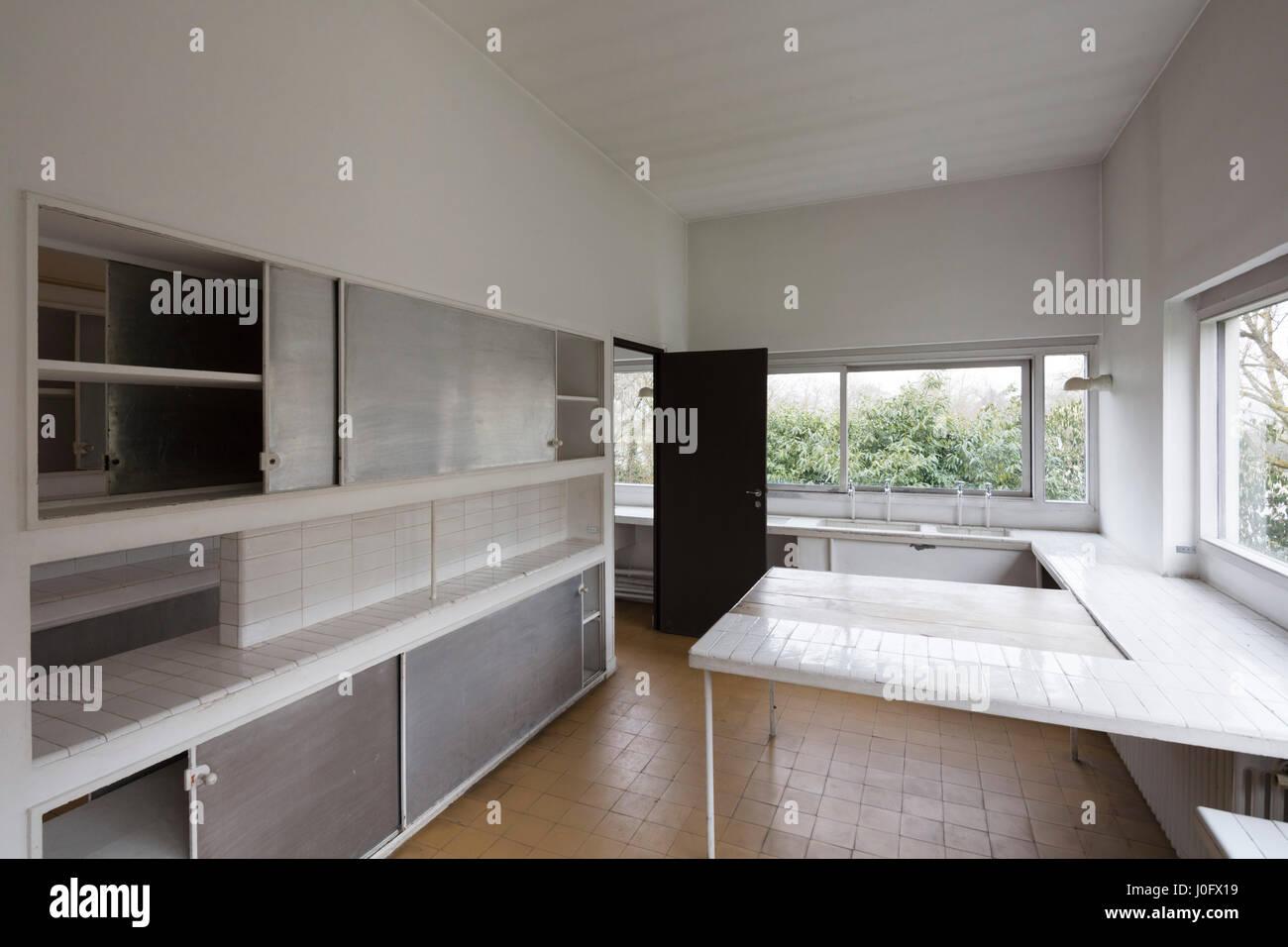 kitchen, Villa Savoye at Poissy, France, modernist architectural ...