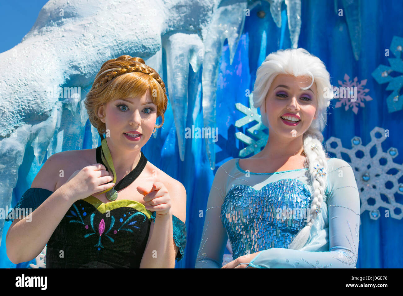 Elsa and anna anna and elsa characters disney movie frozen elsa and anna anna and elsa characters disney movie frozen orlando florida voltagebd Gallery