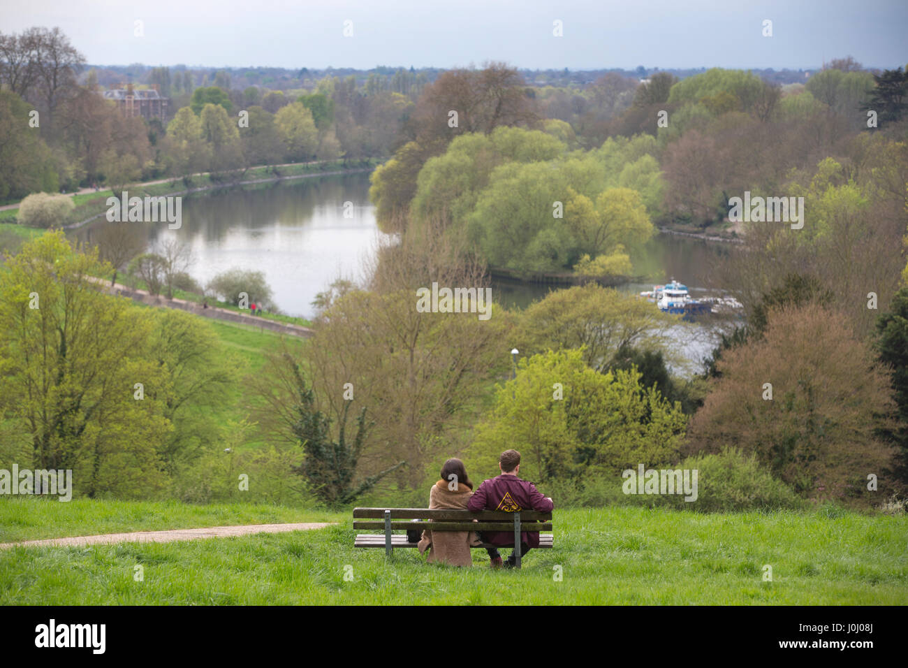 Landscapes along the south bank - The Thames Path Teddington Weir And Lock To Richmond Along The South Side Of The