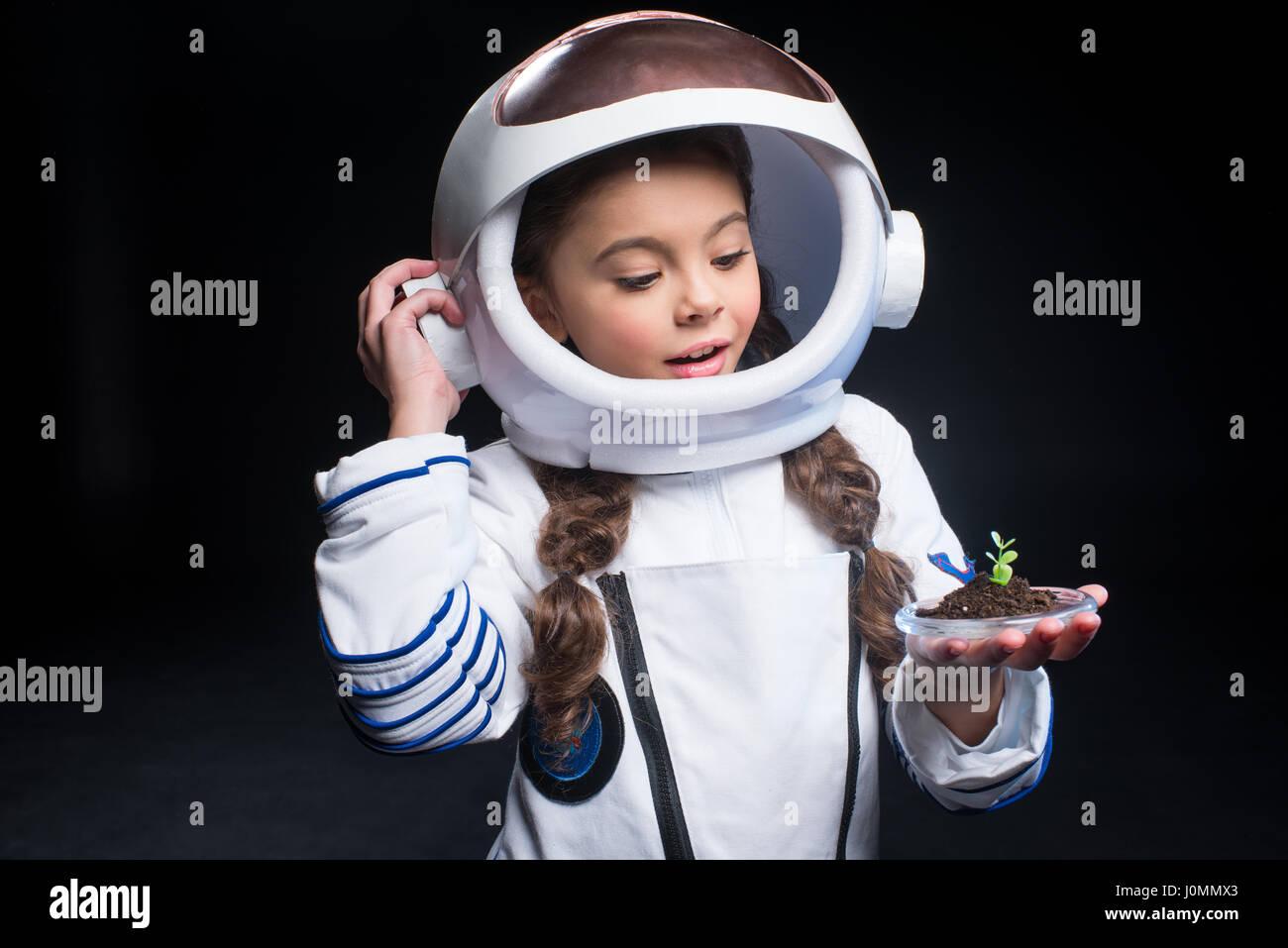 girl in astronaut helmet - photo #17