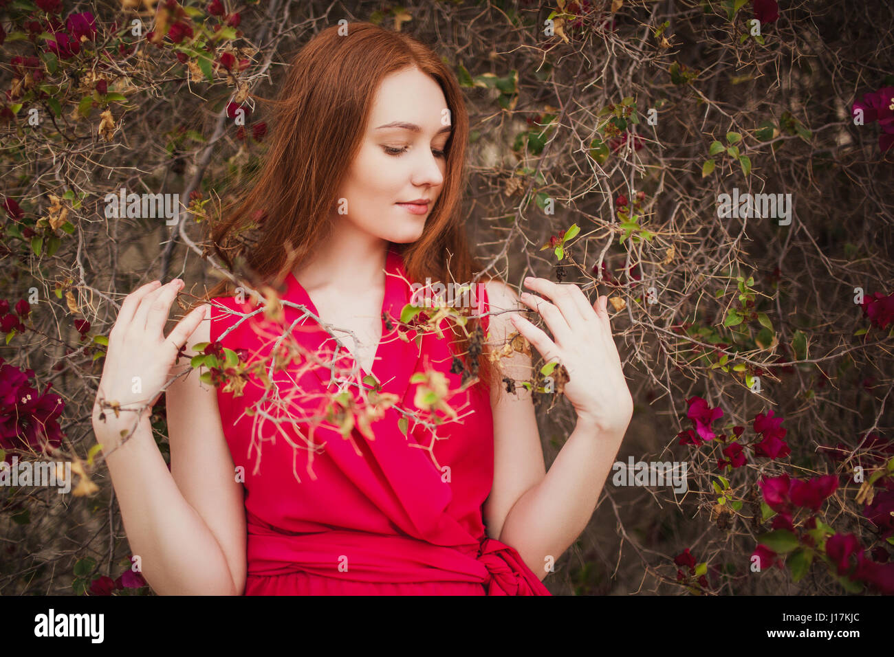 Redhead shows her bush