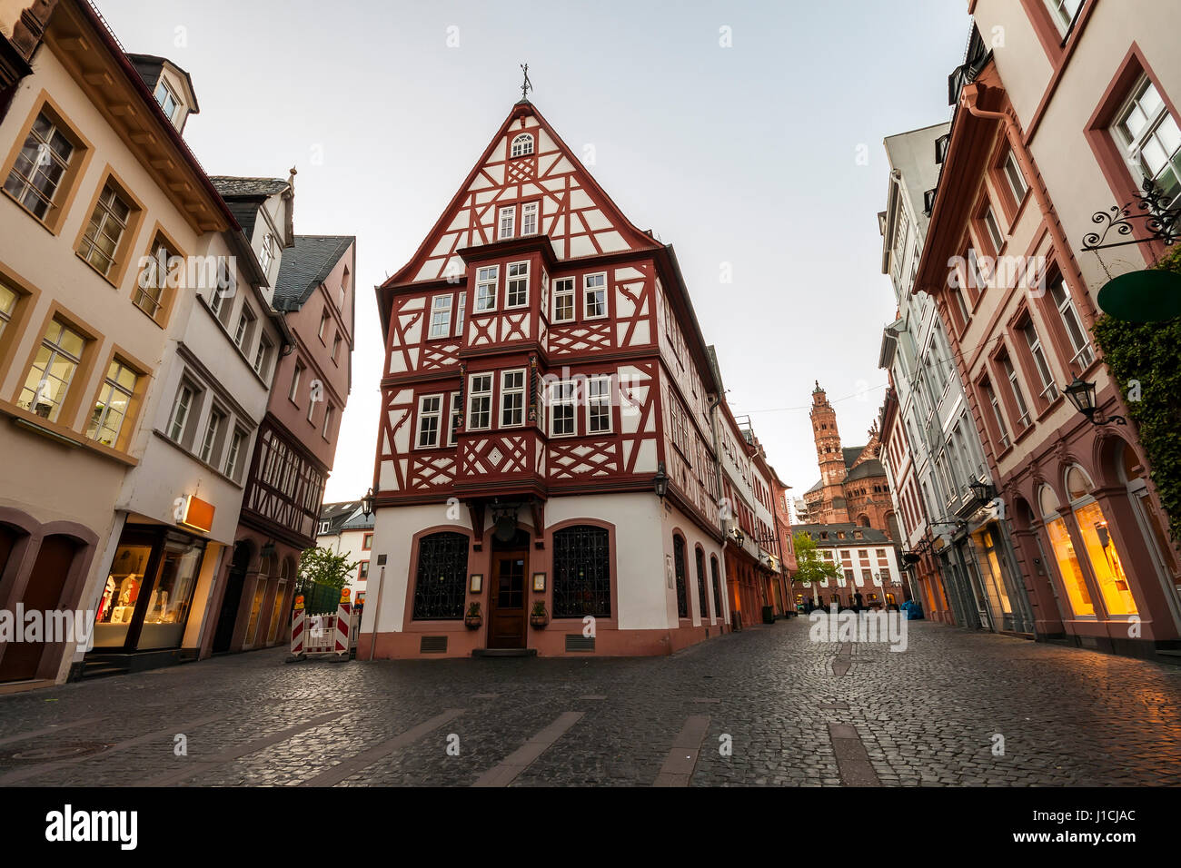 old architecture houses in the center of mainz city near frankfurt am stock photo 138575428 alamy. Black Bedroom Furniture Sets. Home Design Ideas