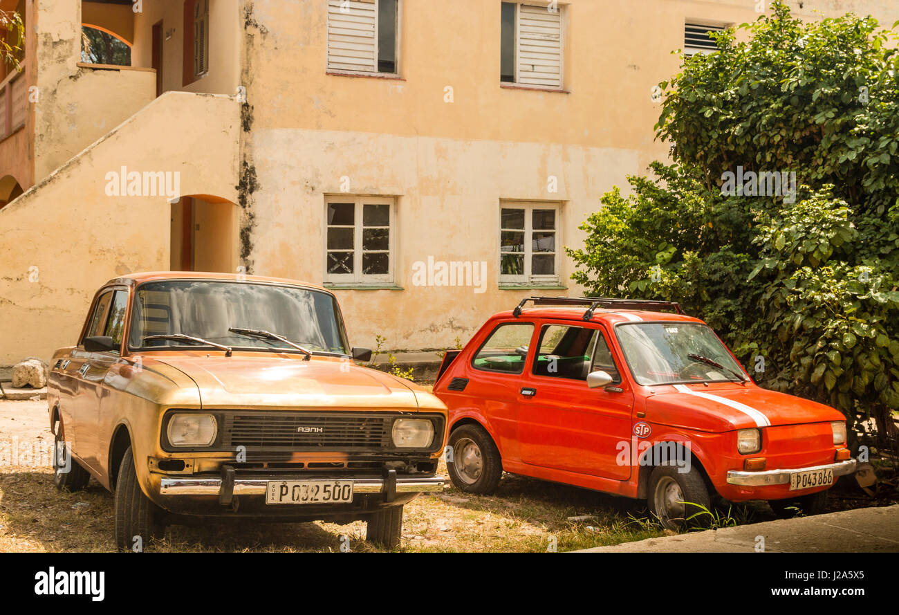 Old classic cars parked outisde house, Cuba Stock Photo: 139136429 ...