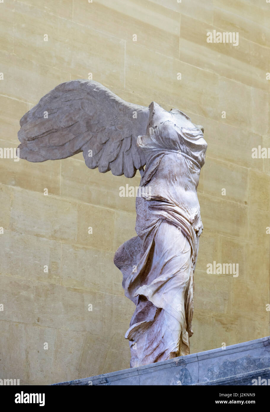 the winged victory of samothrace or the winged nike louvre museum