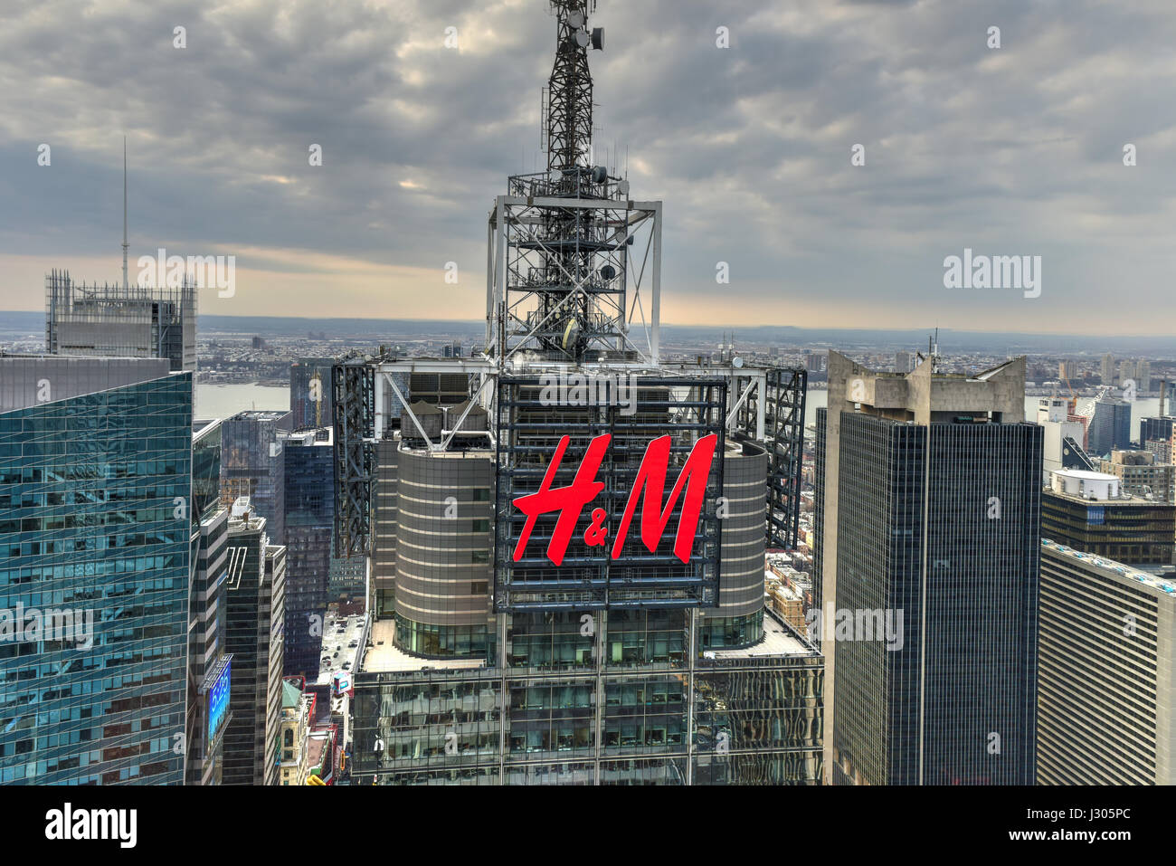 New York City - March 24, 2017: Aerial view of the H&M ...