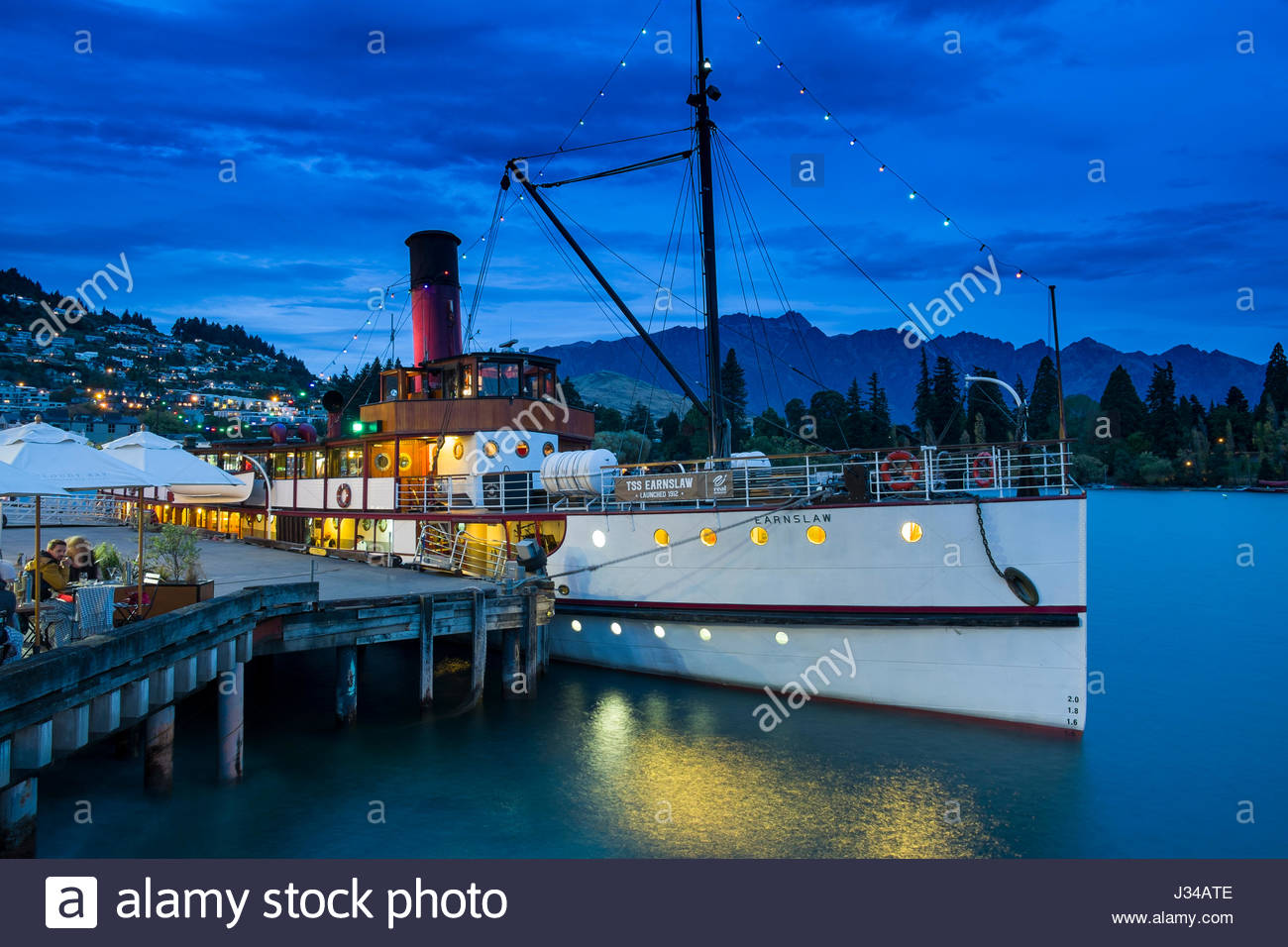 tss-earnslaw-vintage-steamship-at-dock-o