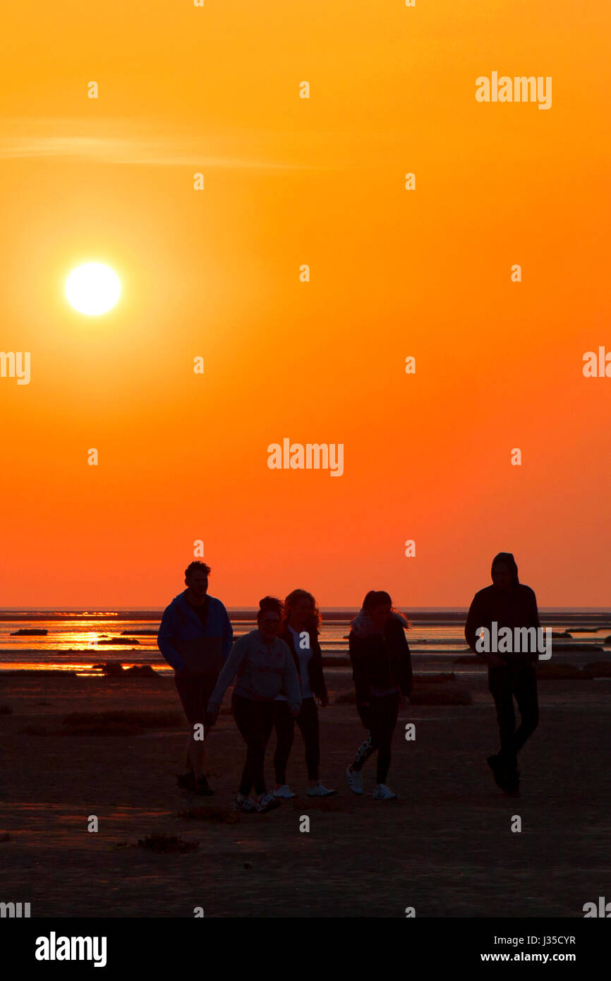 Southport, Merseyside, 2nd May 2017. UK Weather. Five students ...