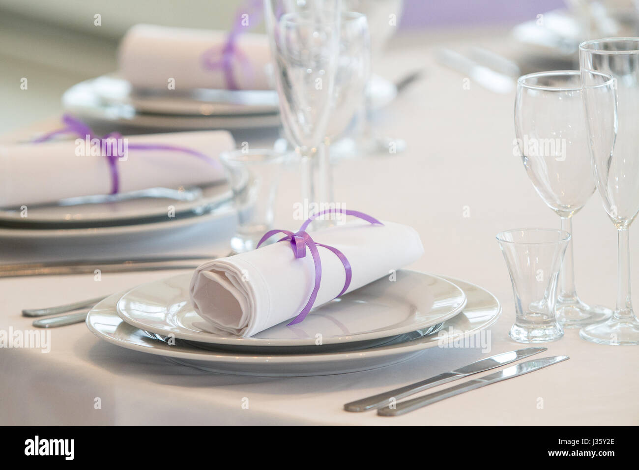 glasses table setting. Table Setting In A Restaurant With Napkins And Glasses, Wedding Party Glasses I
