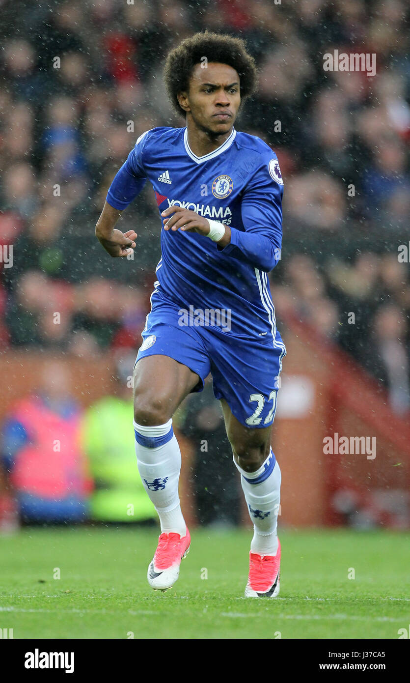 WILLIAN CHELSEA FC OLD TRAFFORD MANCHESTER ENGLAND 16 April 2017