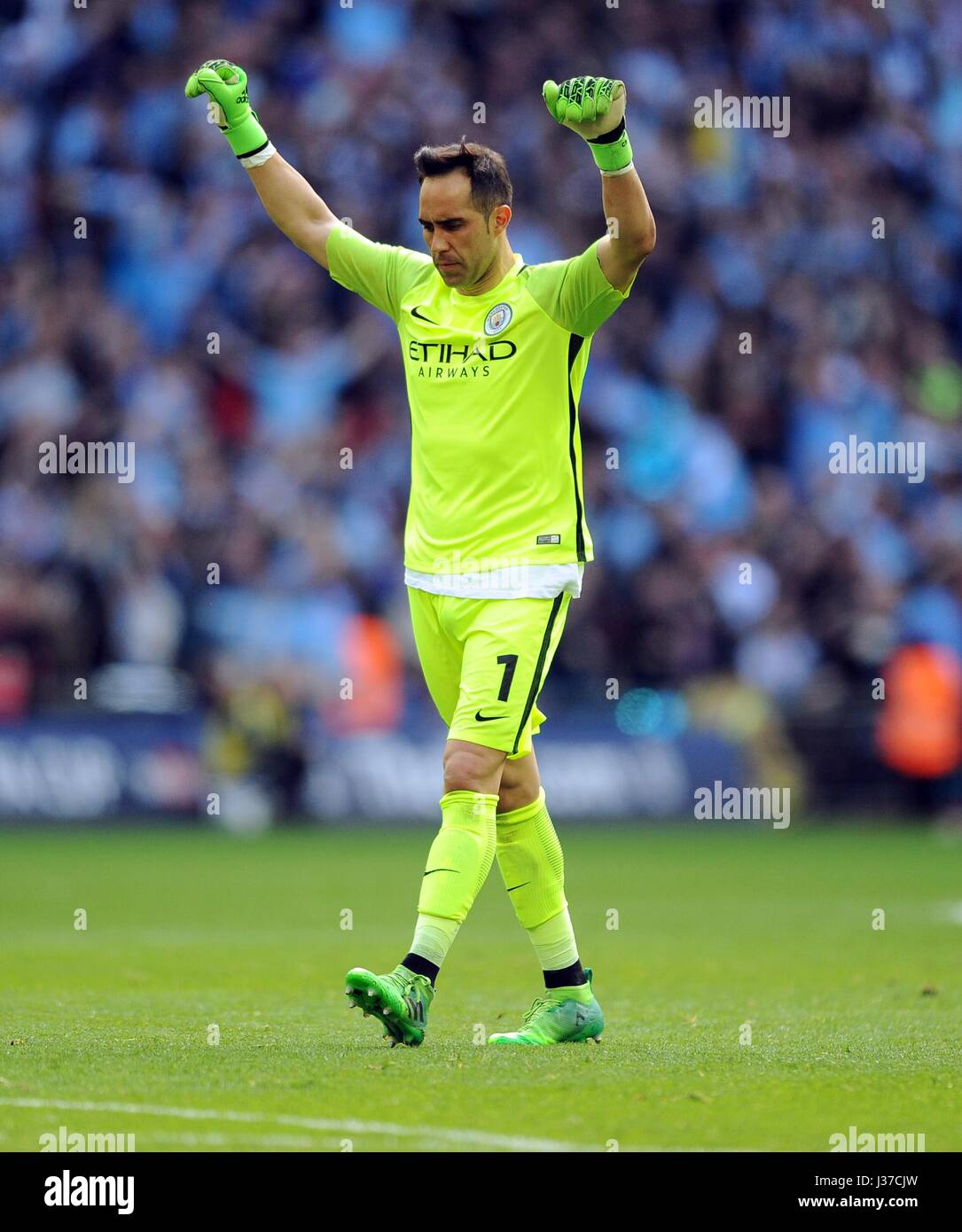 CLAUDIO BRAVO OF MANCHESTER CI ARSENAL V MANCHESTER CITY WEMBLEY