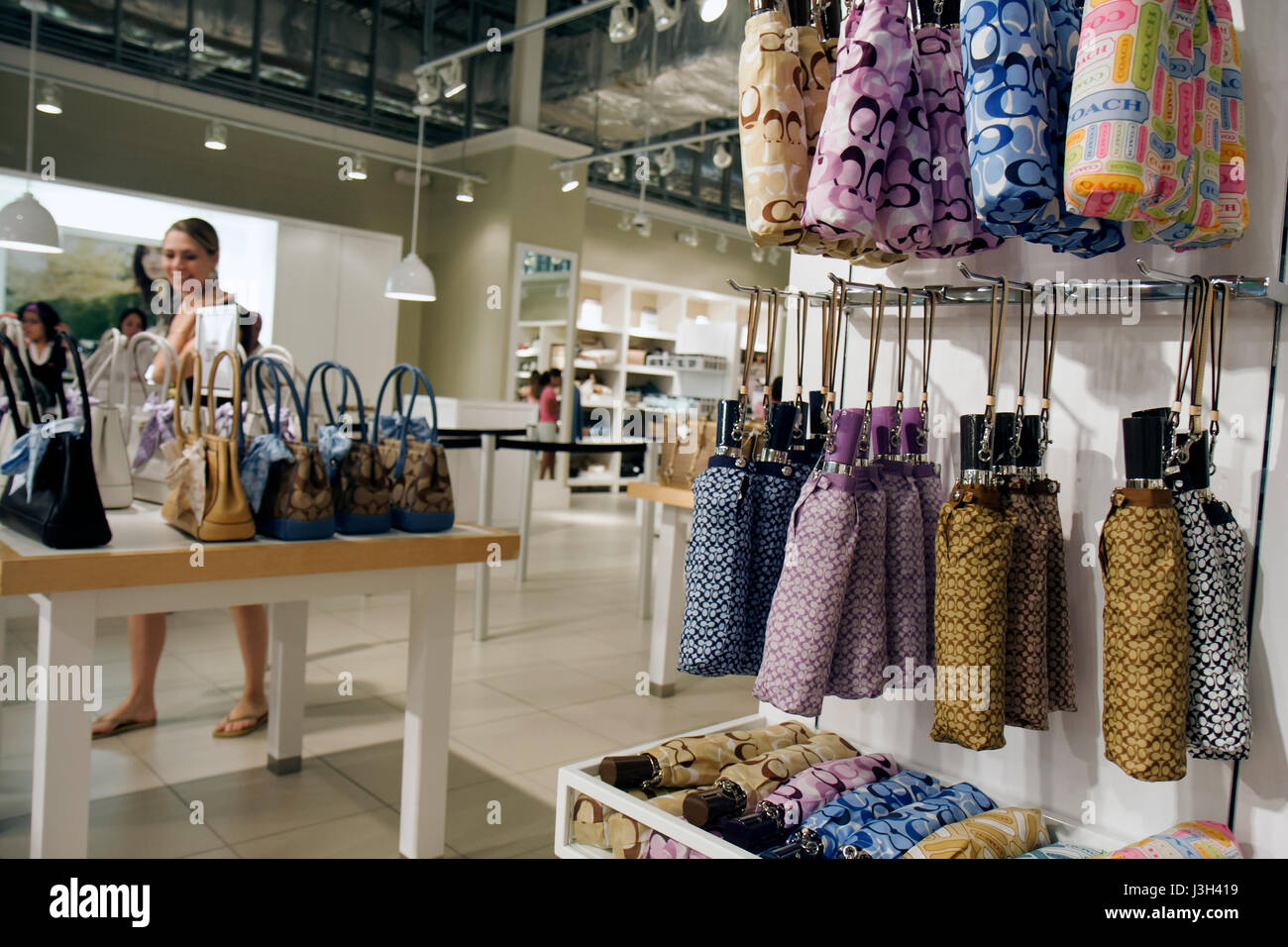 Beautiful Miami Florida Dolphin Mall Coach Factory Outlet Woman Shopper Shopping  Designer Handbags Leather Goods Brand Marketing Part 6