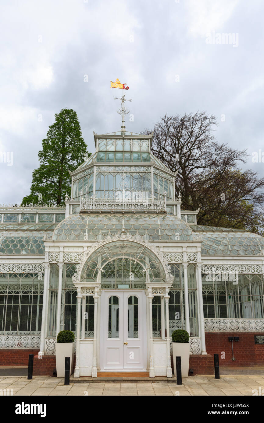 Horniman museum gardens - Stock Photo The Grade Ii Listed Victorian Conservatory Horniman Museum And Gardens Forest Hill London
