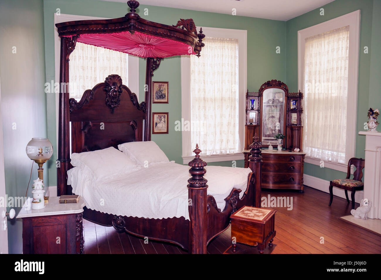 Montgomery Alabama Old Alabama Town historic buildings Ordeman House 1850s bedroom four poster bed canopy dressers furniture ant & Montgomery Alabama Old Alabama Town historic buildings Ordeman ...