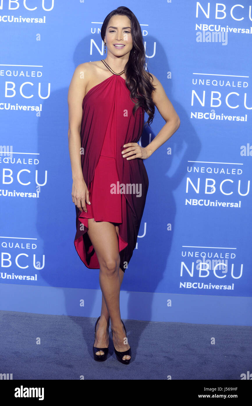 Download carmen villalobos wallpapers to your cell phone carmen - Carmen Villalobos Attends The 2017 Nbcuniversal Upfront At Radio City Music Hall On May 15