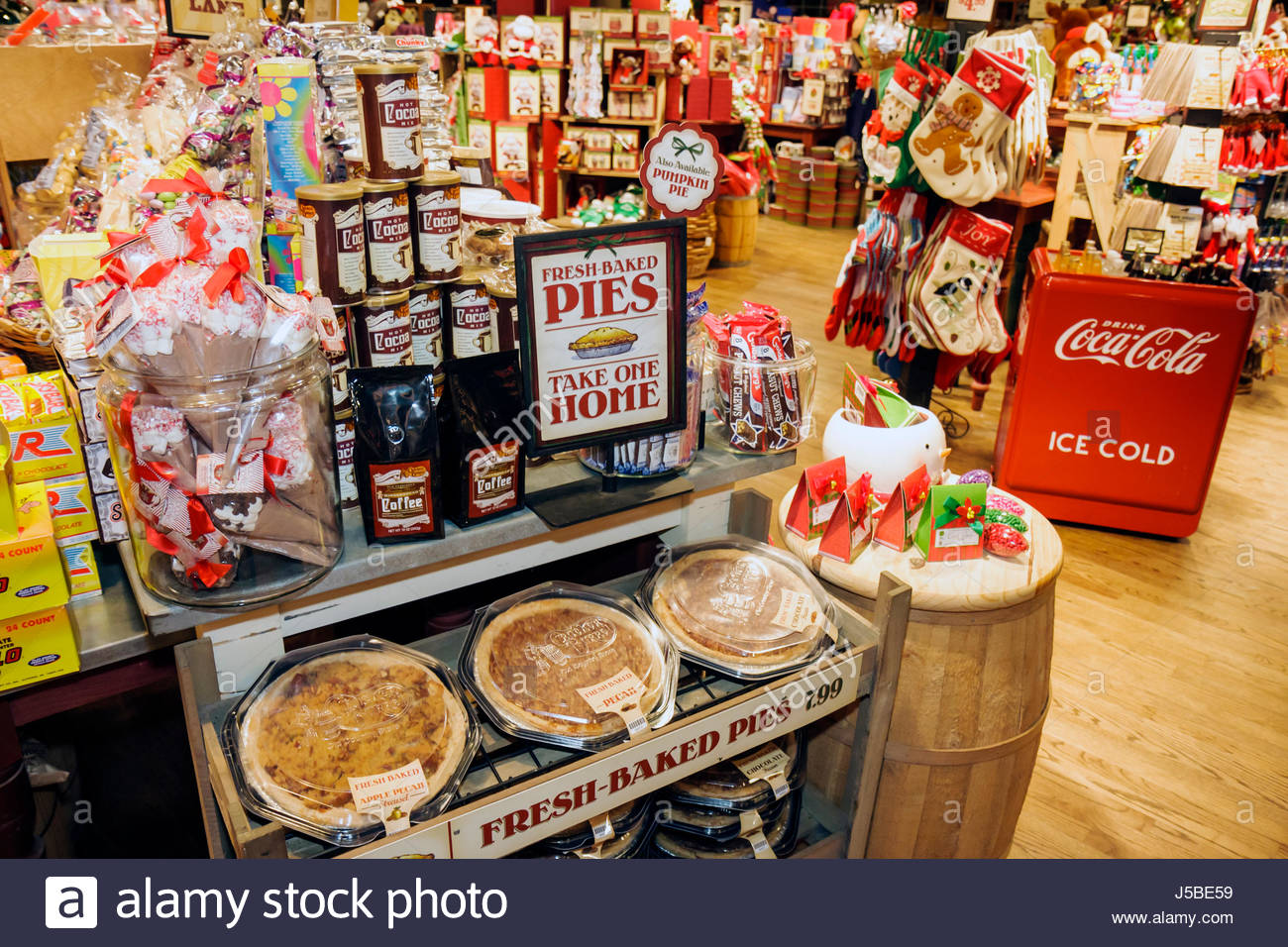 chain of cracker stock photos u0026 chain of cracker stock images alamy