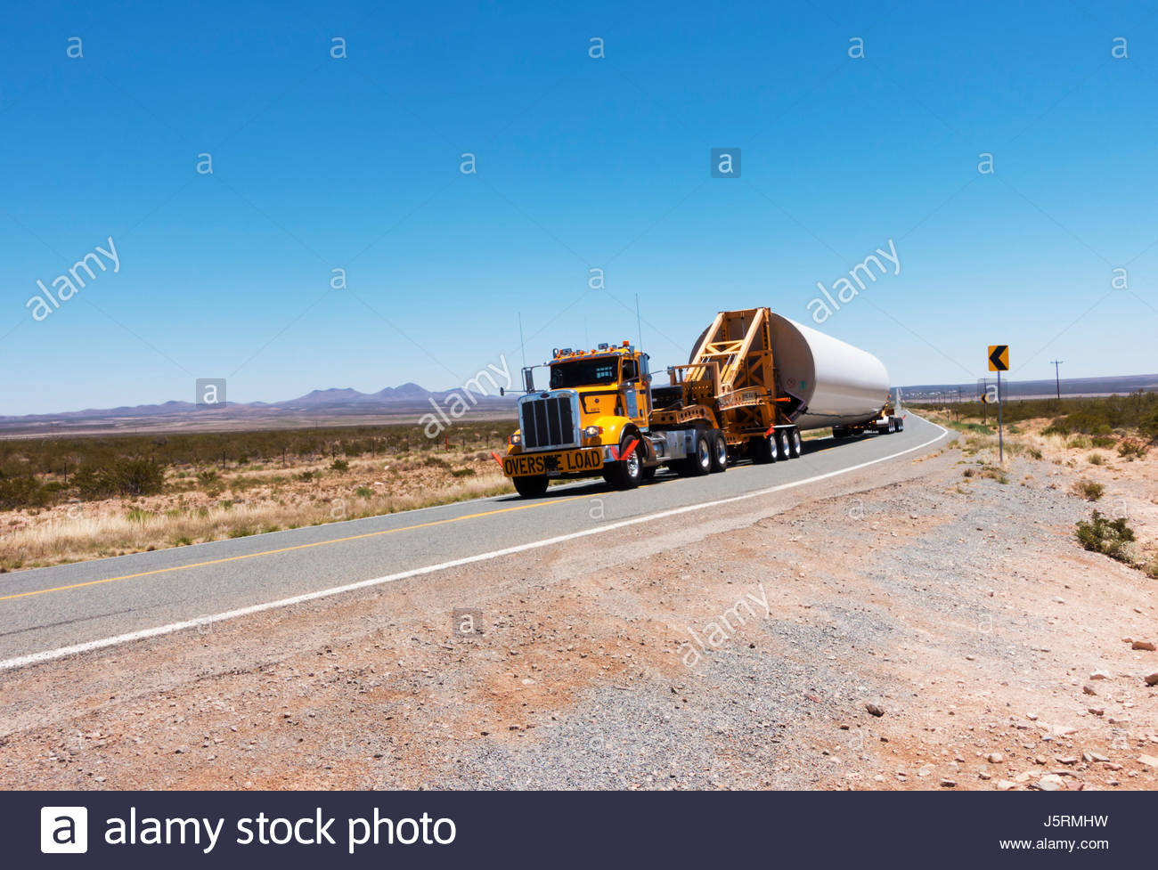 truck-tractor-pulling-oversize-load-prob
