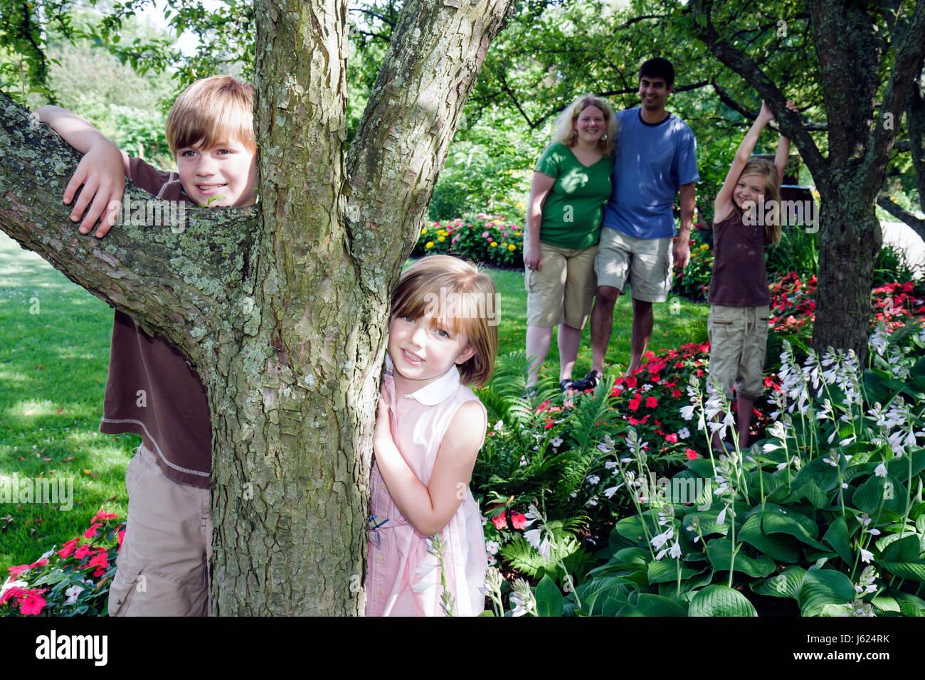 Indiana Valparaiso Ogden Gardens Botanical Flower Garden Flora Horticulrue  Bloom Man Woman Boy Girl Parent Child