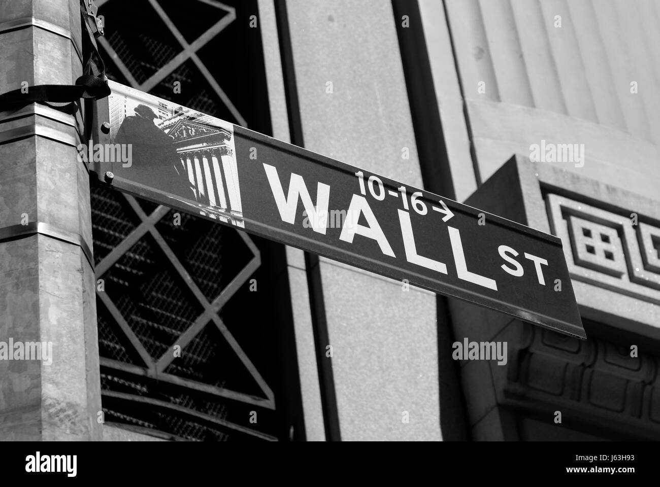 wall street crash Wall street and the housing bubble did wall street foresee the recent crash of the us housing bubble if wall street was aware that the process of secu.