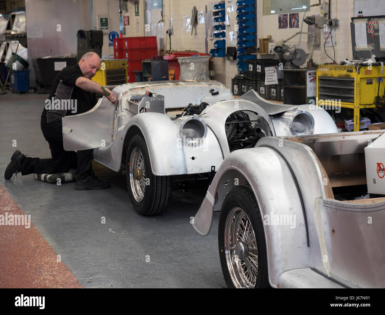 Car Buyers Stock Photos & Car Buyers Stock Images - Alamy