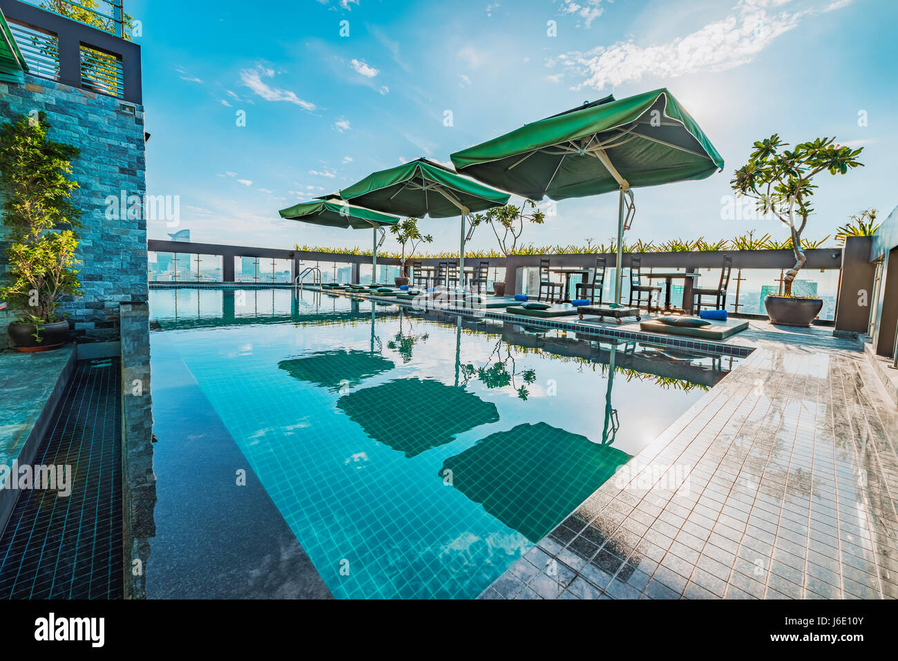 Rooftop floor stock photos rooftop floor stock images for Rooftop swimming pool