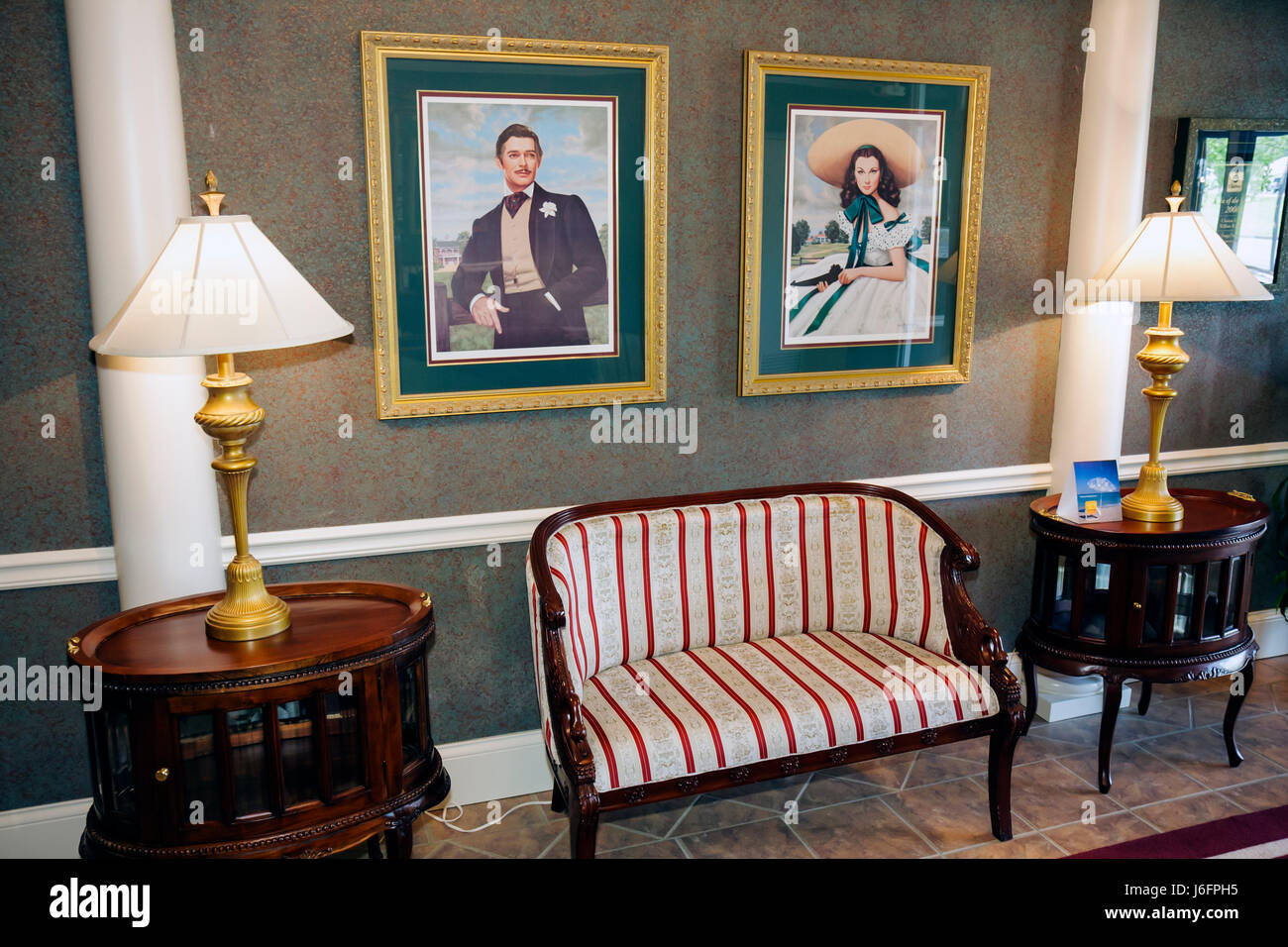 Tennessee Sevierville Clarion Inn Willow River Hotel Lobby Sofa Framed  Picture Scarlett Ou0027Hara Vivien Leigh Gone With The Wind