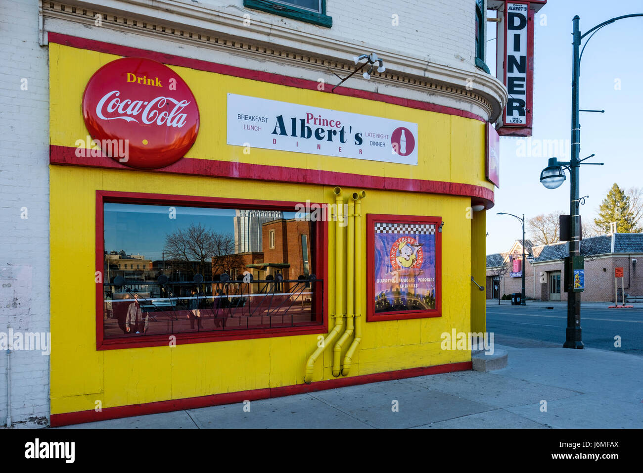 Prince albert 39 s diner a fast food restaurant in downtown for 8 cuisine london ontario